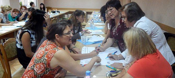 Profesori din trei școli din ţară uniți pentru un scop comun