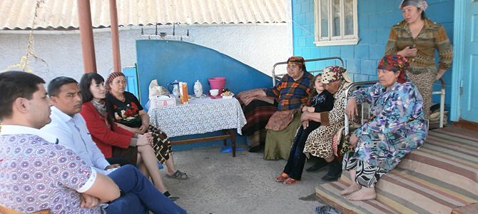 The IRI Mobile Clinique team visits six Roma communities in Moldova