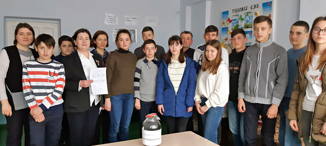 The initiative group from Larga Noua develops a community center to promote the entrepreneurial education among young people